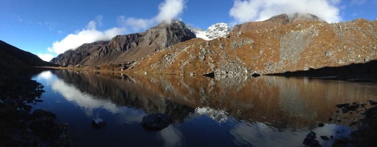 Samiti Lake & Reflections: Goechala Trek