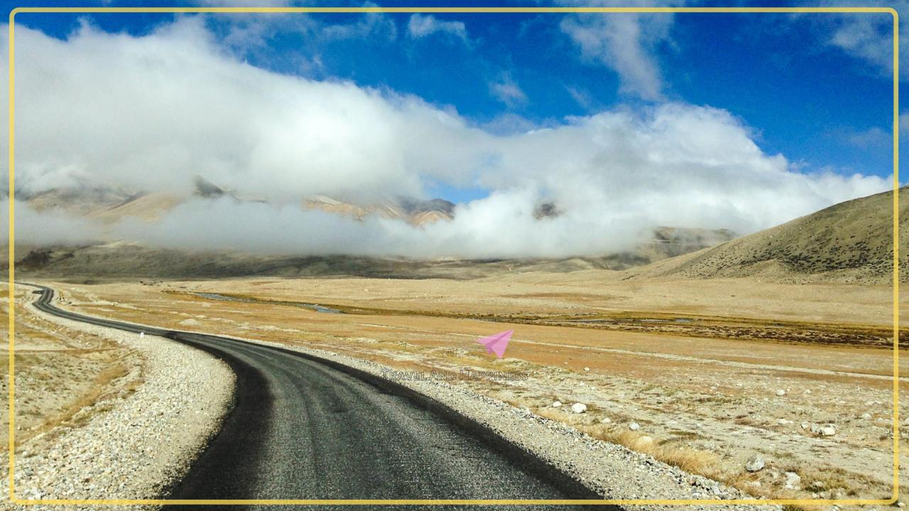 Road to Gurudongmar Lake in North Sikkim